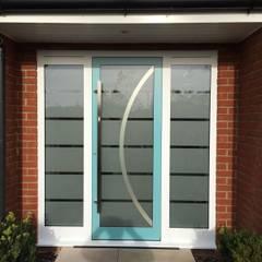 أبواب رئيسية تنفيذ RK Door Systems, حداثي