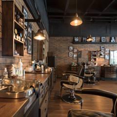 محلات تجارية تنفيذ Adrede Diseño