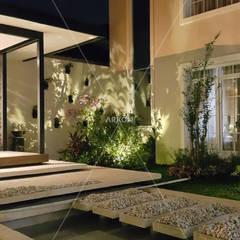 Estanques de jardín de estilo  por ARKON