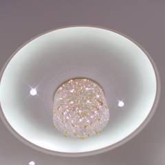 Beleuchtung aus Swarovsky Steinen:  Geschäftsräume & Stores von Ing. Christian Weißmann Ges.m.b.H.