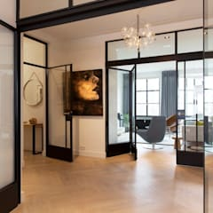 Pasillos y vestíbulos de estilo  por BNLA architecten