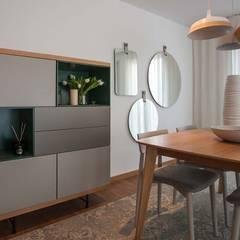 GOYA RESIDENCE: Salas de jantar  por Tralhão Design Center