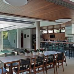 CASA TARUMÃ: Terraços  por Duducirvidiu Arquitetura