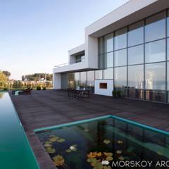 Жилой дом 425 м²: Загородные дома в . Автор – Morskoy Architect