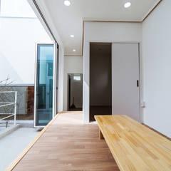 청향실(聽香室): AAPA건축사사무소의  실내 정원