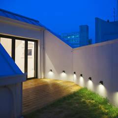 희소헌: AAPA건축사사무소의  베란다,모던