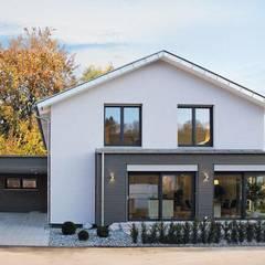 Casas prefabricadas de estilo  por ADAY GRUP Hafif Çelik Yapılar A.Ş. / LGS CONSTRUCTION