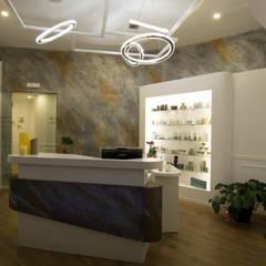Spa de estilo moderno por Studio Stefano Pediconi