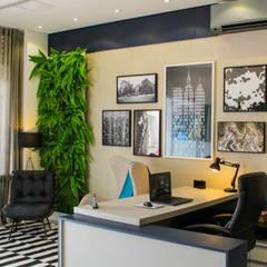 Projeto escritorio: Espaços comerciais  por Planejar Interiores - Balneario Camboriu