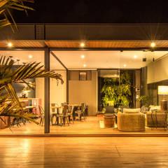 منازل تنفيذ Cornetta Arquitetura,