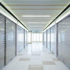 Mei Foo Plaza:  Shopping Centres by Artta Concept Studio, Modern