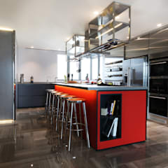 Parc Palais:  Built-in kitchens by Artta Concept Studio