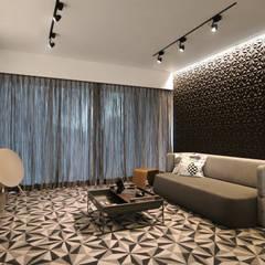 Parc Palais:  Living room by Artta Concept Studio