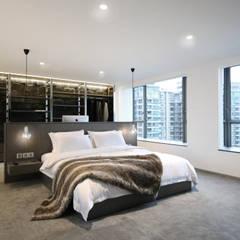 Parc Palais:  Bedroom by Artta Concept Studio