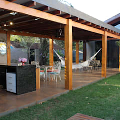 Terrace by Arquiteta Bianca Monteiro,