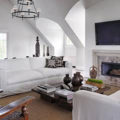 Villa Maria: country Media room by andretchelistcheffarchitects