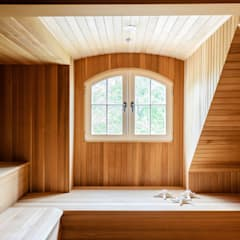 Sauna door andretchelistcheffarchitects