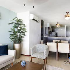 mediterrane Woonkamer door PORTO Arquitectura + Diseño de Interiores