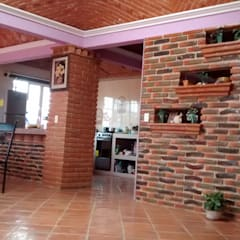 Casa Elia: Salas de estilo colonial por Concepto Arquitectónico Studio