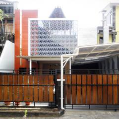 NERAWANG JOGLO:  Rumah tinggal  by studioindoneosia