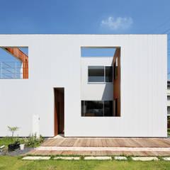 Wooden houses by *studio LOOP 建築設計事務所, Modern