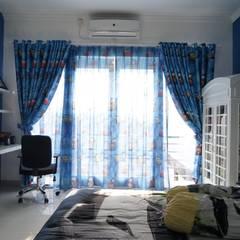 Kids Bedroom - Semarang : Kamar tidur anak laki-laki oleh Multiline Design,