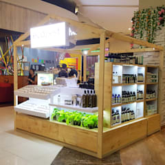 Booth Ecozest - Kemang Village:  Ruang Komersial by Multiline Design