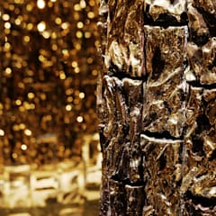 MAISON GOLD: COCOON DESIGN INC.が手掛けたバー & クラブです。,モダン 銀/金