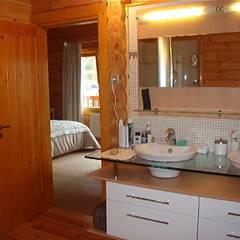 RUSTICASA | Chalé de montanha | Andorra: Casas de banho  por Rusticasa