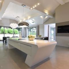 Mr & Mrs McIver:  Built-in kitchens by Diane Berry Kitchens