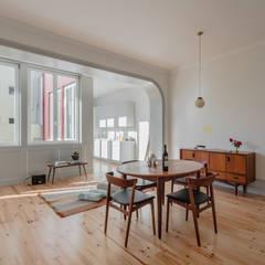 Casa dos Pátios Salas de jantar minimalistas por Pedro Ferreira Architecture Studio Lda Minimalista