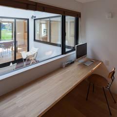 さんかく屋根の家: 株式会社 井川建築設計事務所が手掛けたスパです。