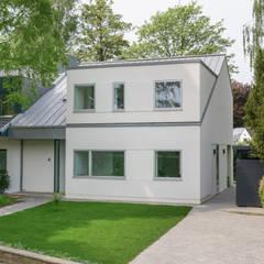 Haus J:  Einfamilienhaus von Sieckmann Walther Architekten