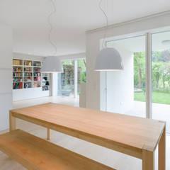 Haus J:  Esszimmer von Sieckmann Walther Architekten