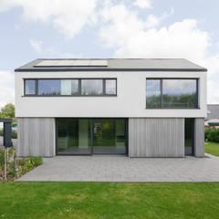 Detached home by Sieckmann Walther Architekten