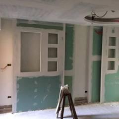 شقة سكنية ملك م / محمد فوزي :  غرفة نوم بنات تنفيذ Quattro designs , حداثي
