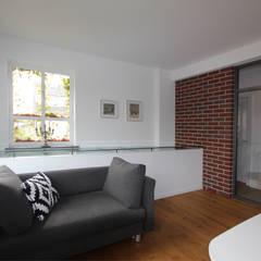 """neu entstandenes Arbeitszimmer mit """"Glasdach"""":  Arbeitszimmer von dipl.-ing. anne-doris fluck innenarchitektin aknw"""