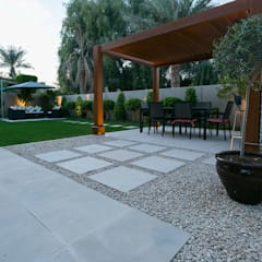 Pondok taman by Hortus Landscaping Works LLC