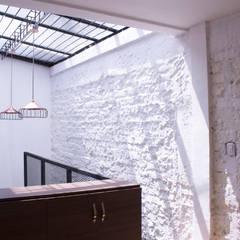 apartamento 1: Habitaciones de estilo industrial por santiago dussan architecture & Interior design