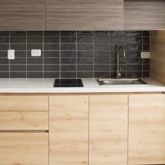 Apartamento 2: Cocinas integrales de estilo  por santiago dussan architecture & Interior design
