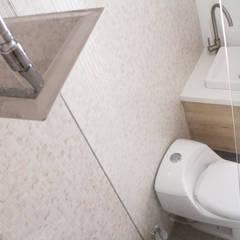 APARTAESTUDIOS PALERMO: Baños de estilo  por santiago dussan architecture & Interior design, Ecléctico