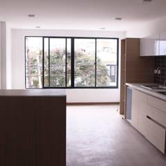 Apartamento 6: Habitaciones de estilo ecléctico por santiago dussan architecture & Interior design