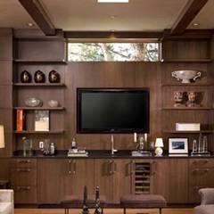 Tủ bếp theo Manoj Interior Decorator ,