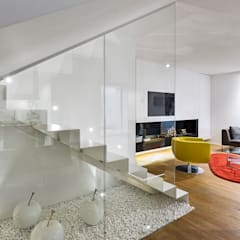 Ristrutturazione casa a schiera: Ingresso & Corridoio in stile  di Arch. Antonella Laruccia