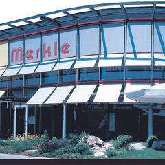 Centros Comerciales de estilo  por Merkle GmbH     Die Marke für Rollladen und Sonnenschutz
