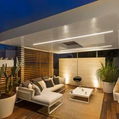 Jardines de invierno de estilo minimalista por Arch. Antonella Laruccia