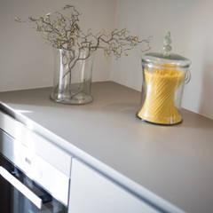 High-End-Homestaging auf Sylt:  Einbauküche von Home Staging Sylt GmbH