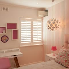 House Varyani:  Nursery/kid's room by Redesign Interiors,
