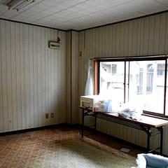 リノベーション前:2階居室(現2階LDK): キリコ設計事務所が手掛けたリビングです。