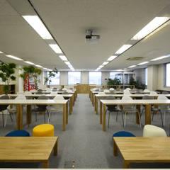 NISSIN SYSTEMS Collaboration Salon CoCoNa -心結-: 関口太樹+知子建築設計事務所が手掛けたオフィスビルです。
